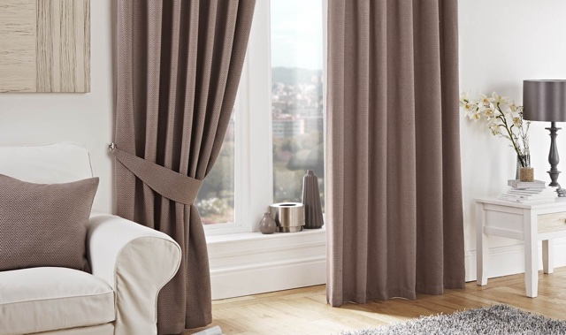 Curtains | Dee's Dry Cleaners